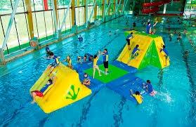 56d4786c7012 L acquapole gym è una delle discipline dell acquafitness del momento e non  poteva mancare tra le proposte delle piscine coperte dello Sporting Club  Muggiò.